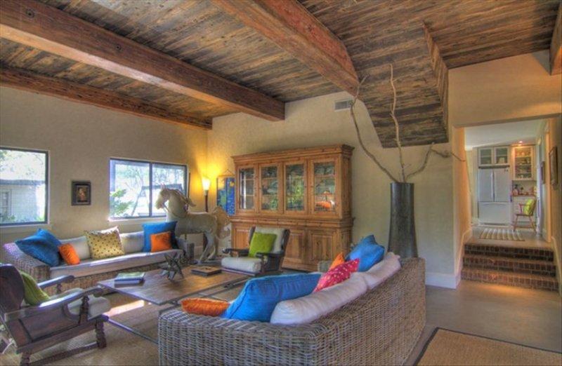 Gorgeous Beachfront Town & Country Home on Saint Helena Sound, holiday rental in Saint Helena Island