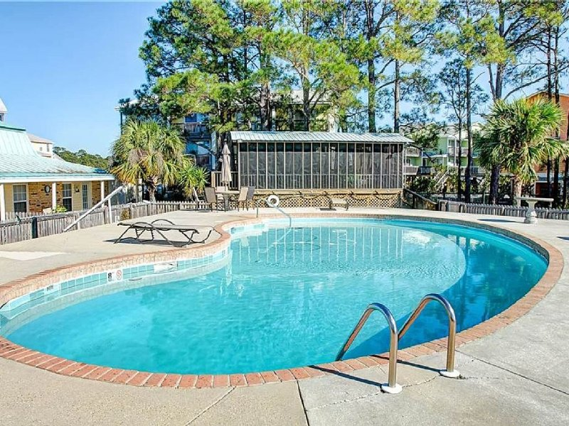 Dauphin Surf Club ,3 Bedroom, Swimming Pool, Condo-CDC CLEANING GUIDELINES, holiday rental in Dauphin Island