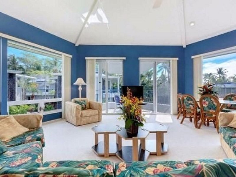 Spacious, Luxurious, Tropical Townhouse Style Condo For A Truly Aloha Vacation, holiday rental in Honalo