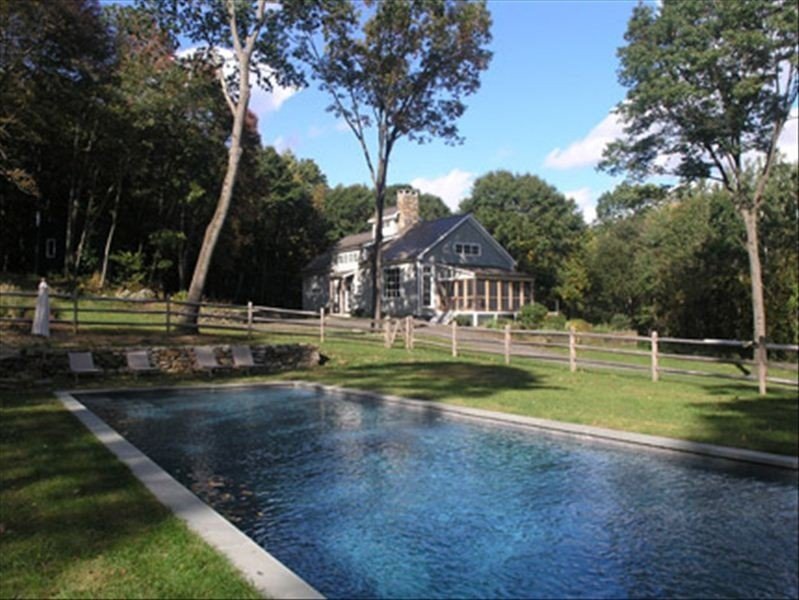 Beautiful Modern Architectural Home in Washington, Ct. 5 Star with video, vacation rental in Washington Depot