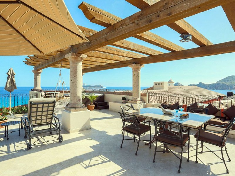This Astounding  Penthouse is One-of-a-Kind, location de vacances à Cabo San Lucas
