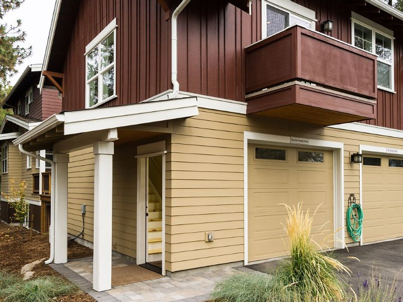 Amazing West Side * Walk Everywhere * Dog Friendly, vacation rental in Bend