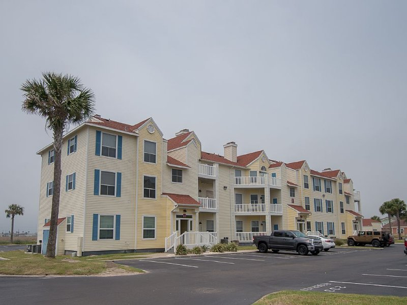 1 Block To The Beach-1st Floor Unit-Taylor Made Get A Way, alquiler de vacaciones en Chapman Ranch