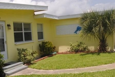 Seatreat - Adorable House Steps to Beach & Marina, holiday rental in Port Orange