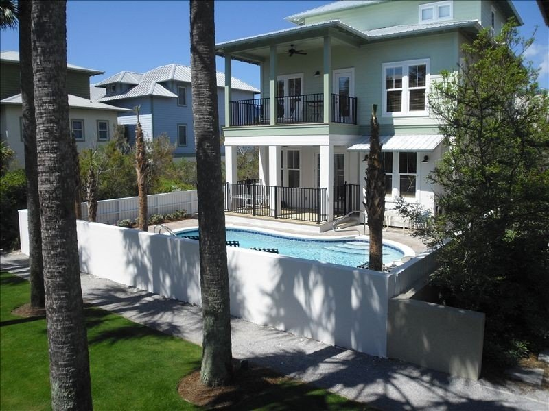 Rest Ashore: 5BR/5.5 bath, Priv Heated Pool, Office,  2 fridges, 3 kings, vacation rental in Seacrest Beach