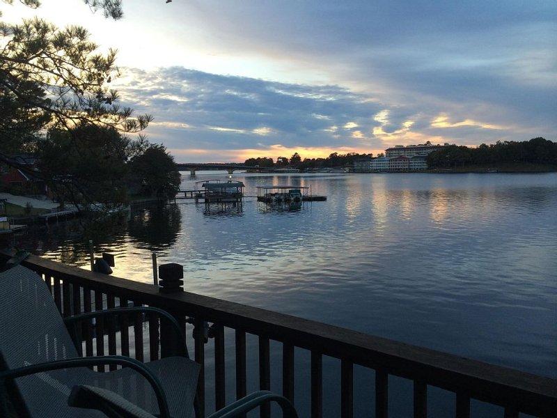 Spacious Lake Living, holiday rental in Hot Springs