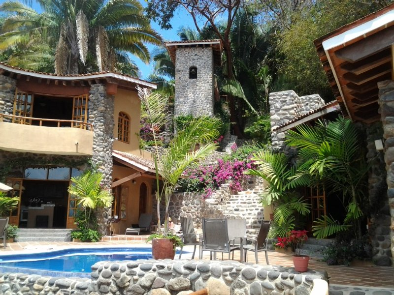 Villa Carolyna - Breathtaking Views and Panoramic Vistas, alquiler vacacional en Platanitos