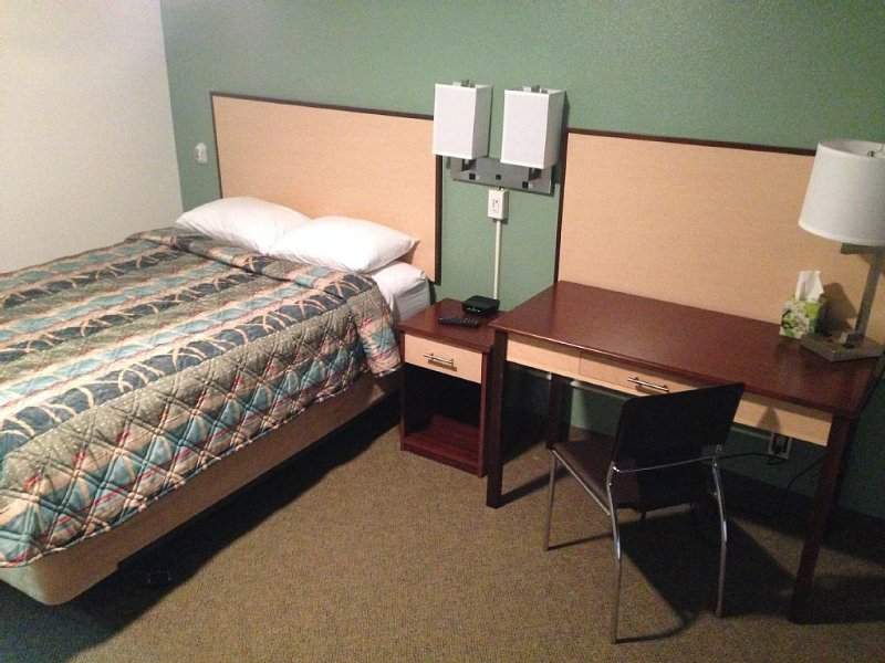 Brand New Remodeled  REWAK STUDIOS. 'MULTI MONTH DISCOUNTS!', holiday rental in Fairbanks