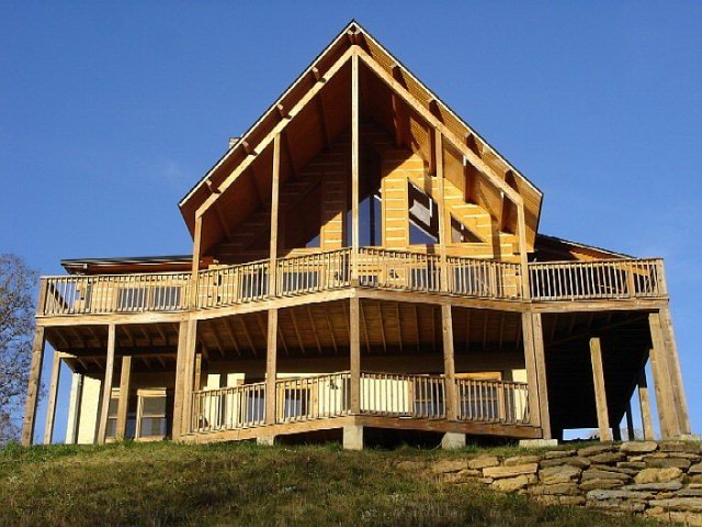 Starry Nights Lodge, Beautiful Views, Hot Tub, Firepit, 10 mins from Boone, holiday rental in Vilas