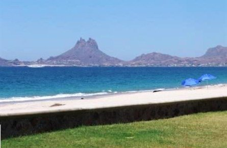 $145/Night Bahia Delfin Beach-Front Condo #118, casa vacanza a San Carlos