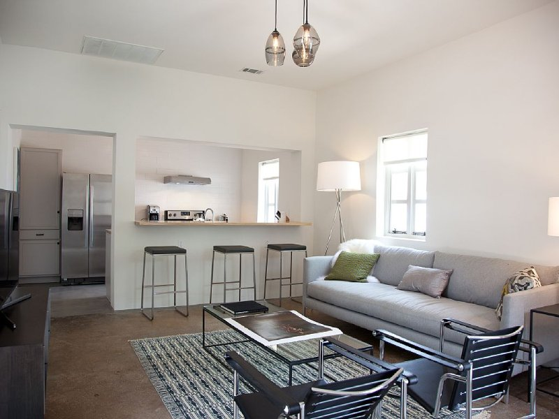 The Casita at Kruger Gallery Marfa, vacation rental in Marfa