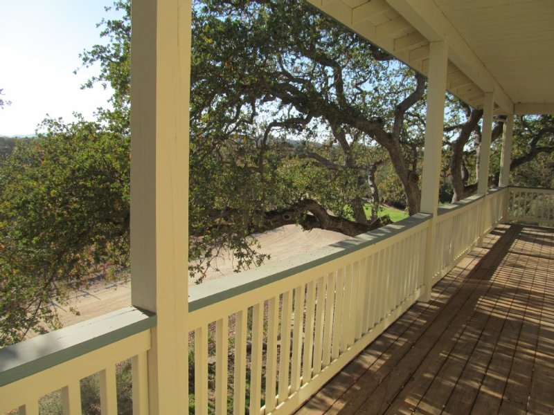 Secluded Retreat in the Vineyards, location de vacances à Lake Nacimiento