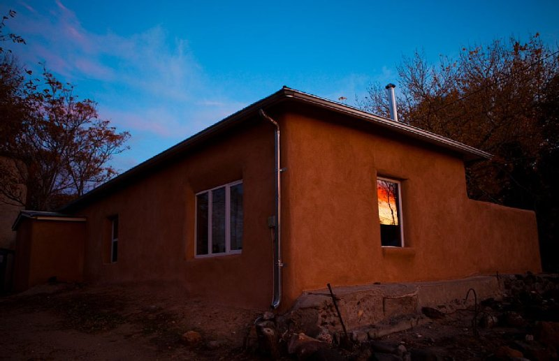Casa de Artista located in the charming village of Abiquiu, vacation rental in Ojo Caliente