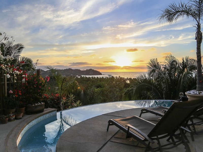 Villa Sol Blau, Stunning Tranquil Home with Spectacular Ocean Views, holiday rental in Sayulita
