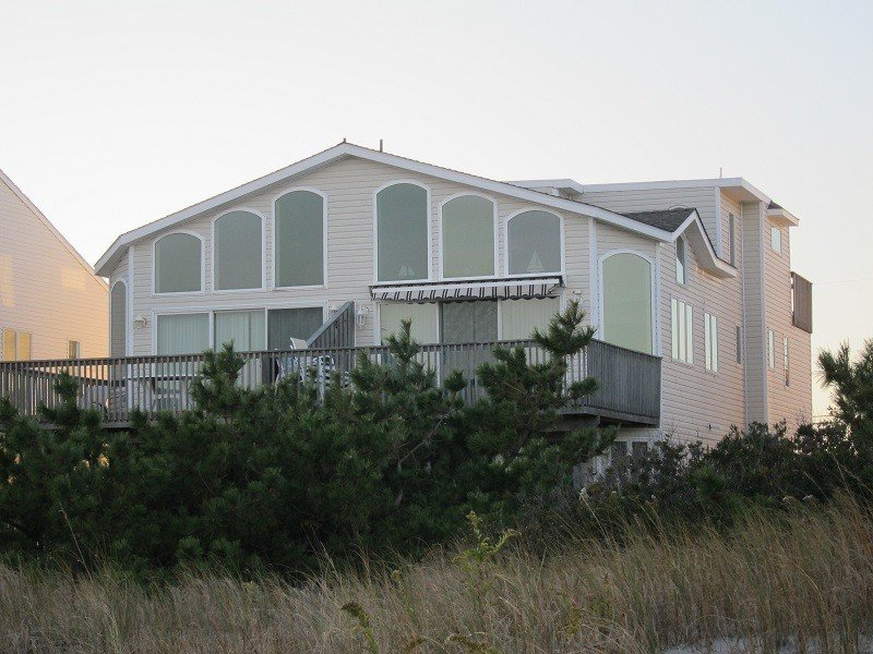 Spectacular 5-Bedroom, 4-Bath Oceanfront Townhouse-, holiday rental in Sea Isle City