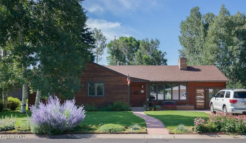 Remodeled, Home Away From Home, Close to Downtown, Skiing and ~NAU~, vacation rental in Flagstaff