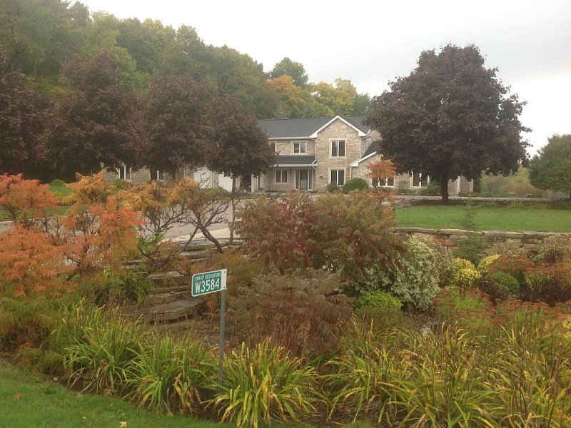 Family/Pet Friendly Country Home, vacation rental in Fond du Lac