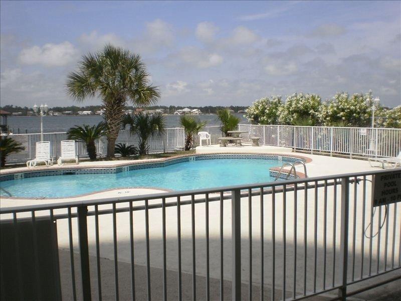 2BR/2BA Condo -Balcony Views of Ocean and Lagoon, Ferienwohnung in Gulf Shores