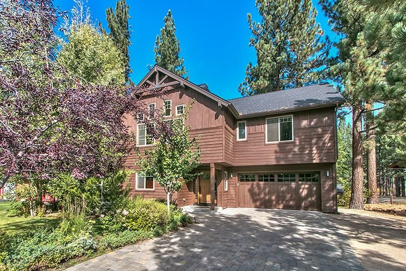 Luxury Home/Pvt Jacuzzi/Pool Table/Near Casinos & Beaches/Incredible View!, holiday rental in South Lake Tahoe