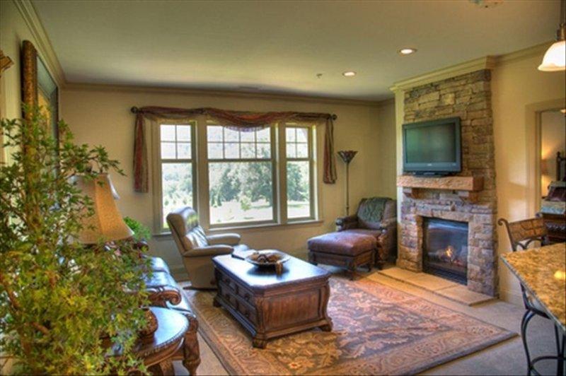 Best Choice Beautiful Smokey Mountain Getaway Luxurious Condo, location de vacances à Maggie Valley