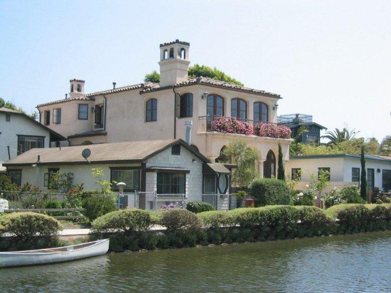 Elegant Medditeranean Canal Home, holiday rental in Marina del Rey