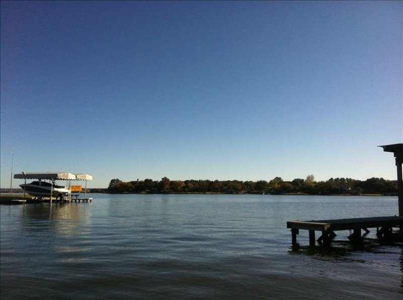 Huge Waterfront Home on Lake Lbj with Private Island, Boat Ramp and Slips, casa vacanza a Sunrise Beach