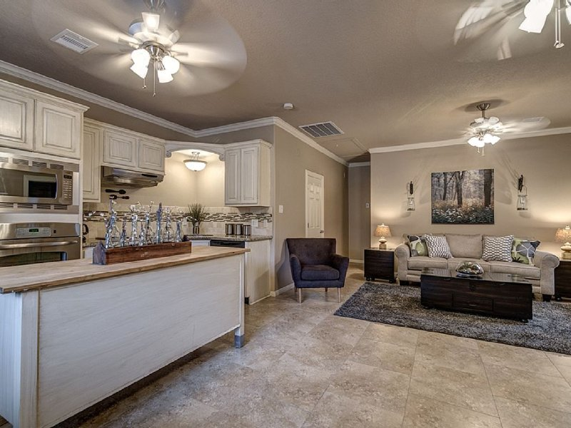 900 sq feet of peaceful, private luxury!