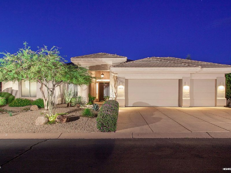 Gorgeous Golf Course Retreat in Northeast Scottsdale, alquiler de vacaciones en Fountain Hills
