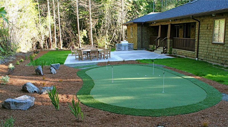 By Bandon Dunes - 4 Master Suites, 8 Beds, Pool Table, 5 TV's, Putting Green!, vacation rental in Bandon