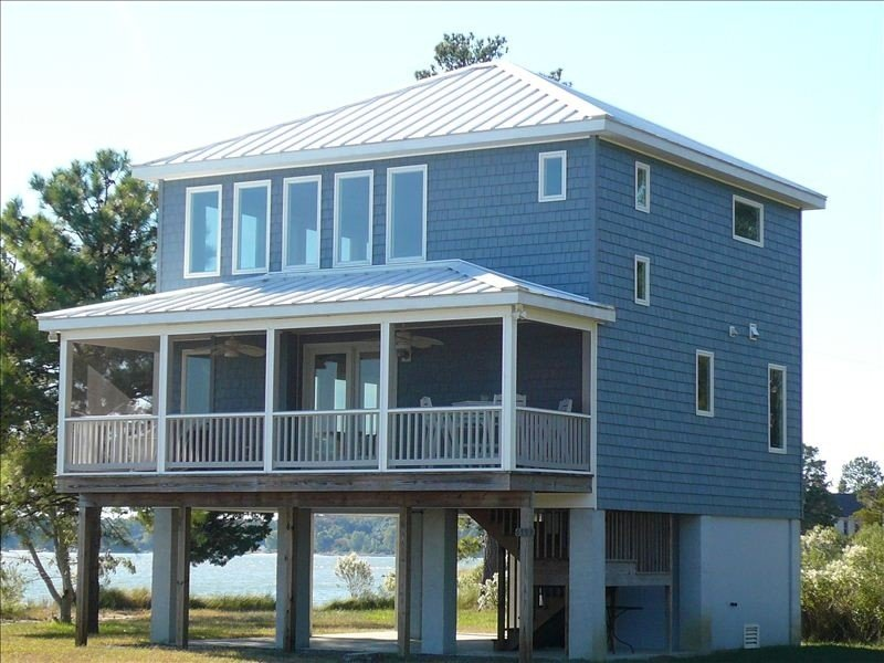 Relax, Refresh, Renew..Waterfront Cottage..Near Williamsburg, holiday rental in Schley