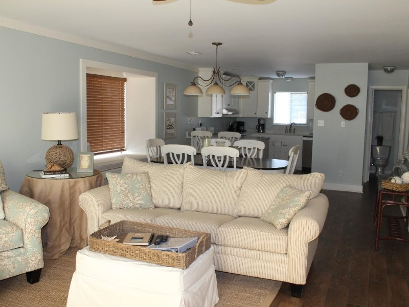 Gulf Front - 2BR with Superloft/3 BA, holiday rental in Port Saint Joe