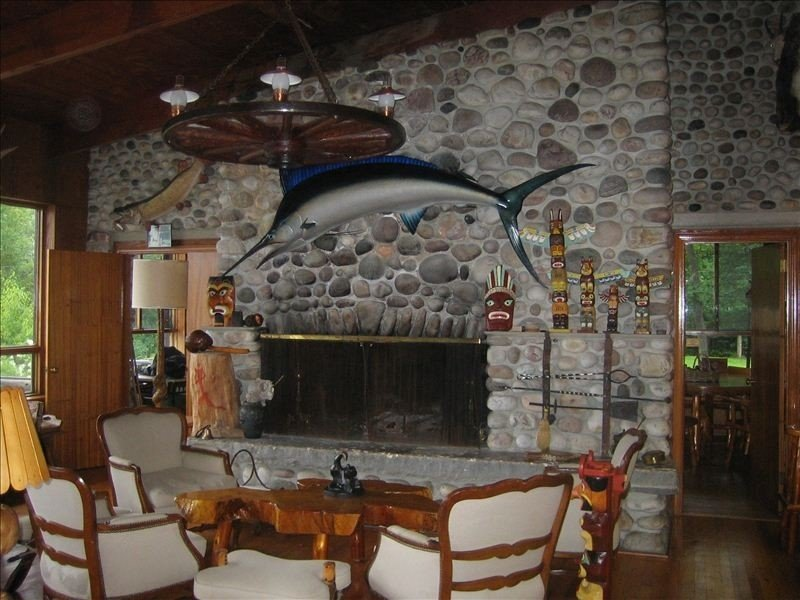 Lodge with Breathtaking View of Georgian Bay and Lacloche Mnts, holiday rental in Northeastern Ontario