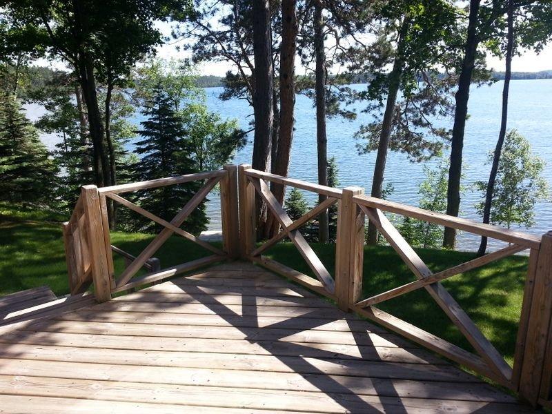 Beautiful Lake Home Nestled In The North Woods, alquiler de vacaciones en Hackensack
