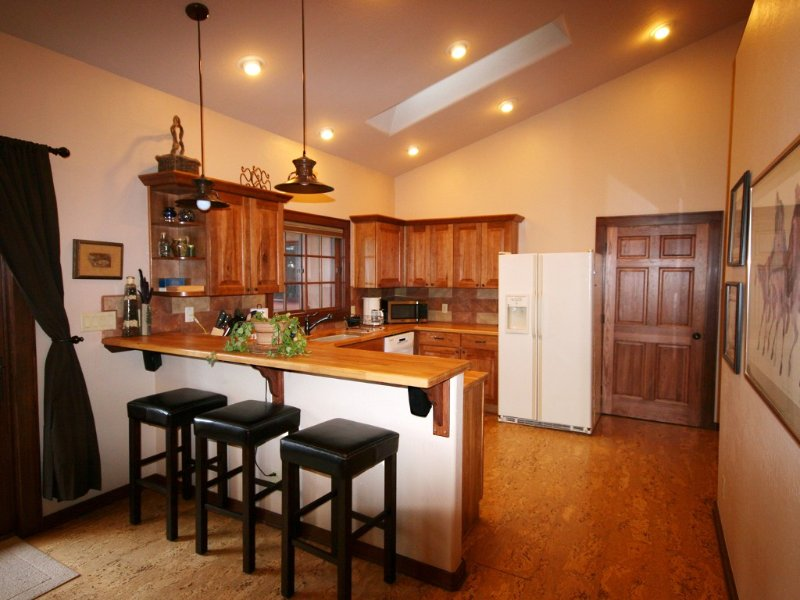 Awesome Custom-built Guesthouse In Quiet Downtown Location, vacation rental in Flagstaff