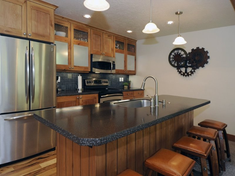 Affordable Luxury Steps to Park City Mountain Resort - 2 BR + Loft, vacation rental in Park City
