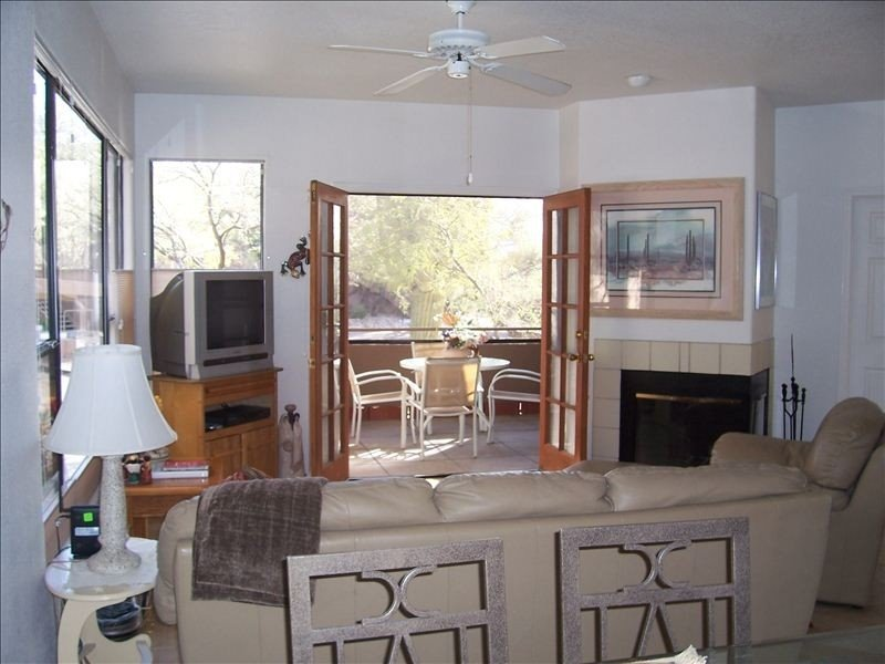 Rare Ventana Canyon Intimacy,  Heated Pools, Tennis, holiday rental in Mount Lemmon