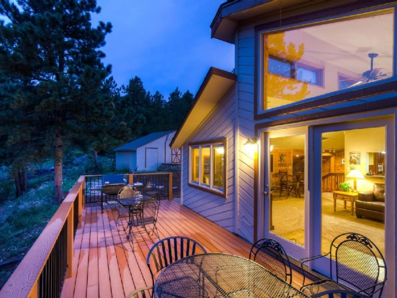 5 Star Gem!, Private, Western Lodge in Coal Creek Canyon,Boulder,Golden,Skiing, alquiler vacacional en Nederland