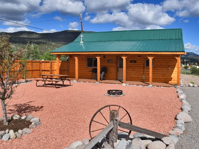 Mountain View Cabin in Beautiful South Fork, alquiler de vacaciones en South Fork