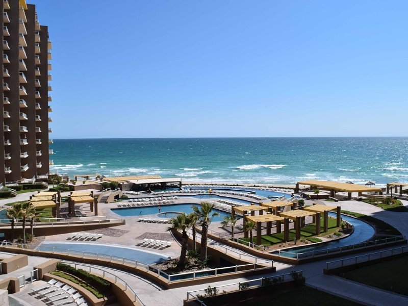 Las Palomas 1 Bedroom Beach & Golf Condo in Phase 2, vacation rental in Puerto Penasco