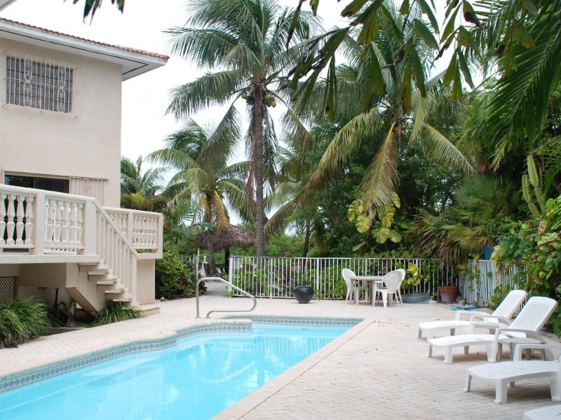 4 Bedrooms,large private pool,Great fishing!!!, vacation rental in Key Colony Beach