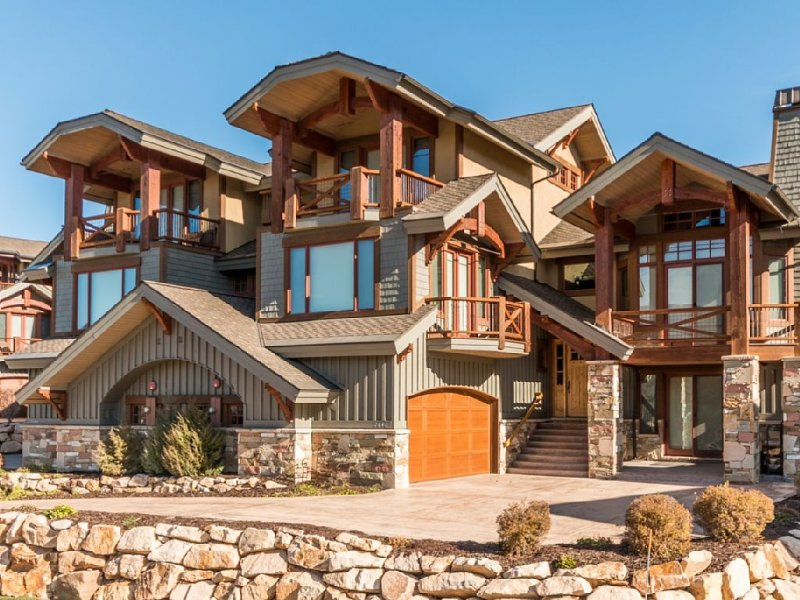 Beautiful 4000 Sqft Retreat With Breathtaking Mountain Views, holiday rental in Park City