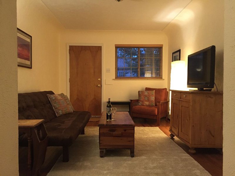 Newly Renovated Rowhome at Sloans Lake - $99 A NIGHT!, vacation rental in Denver