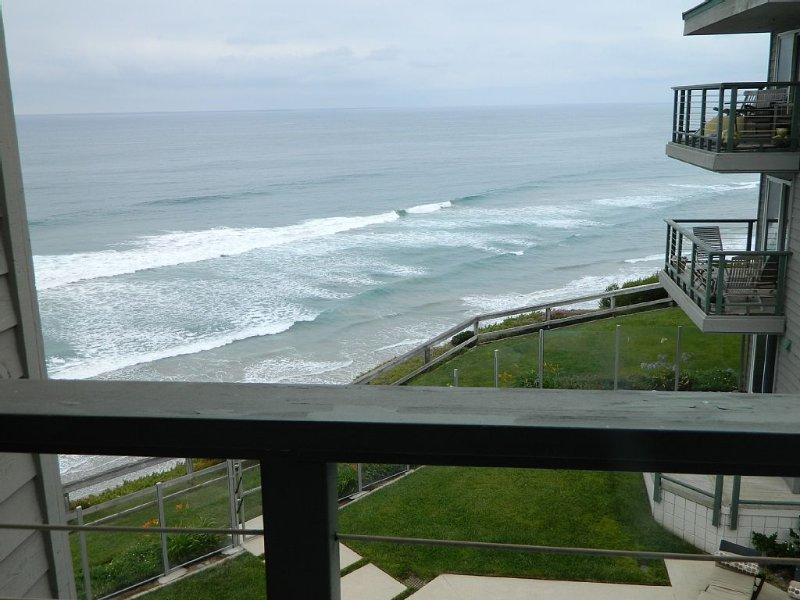 Oceanfront Retreat In Heart Of Encinitas!, holiday rental in Encinitas