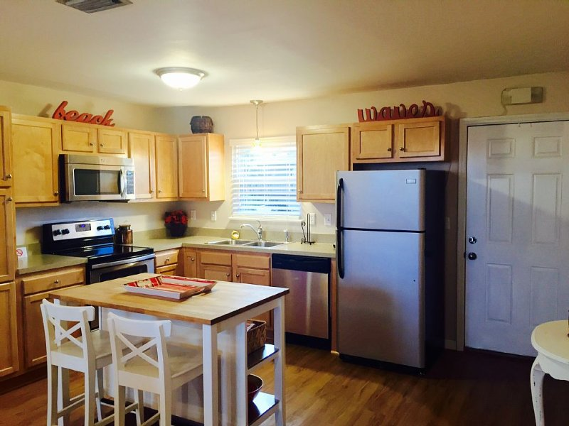 Escape to our beautiful sea island for a relaxing vacation!, vacation rental in St. Marys