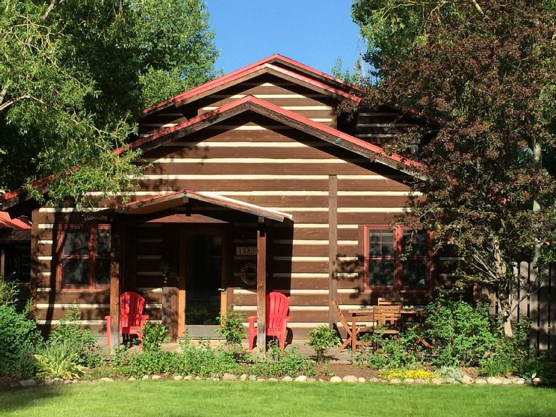 Spacious log home near Grand Teton National Park, alquiler de vacaciones en Wilson
