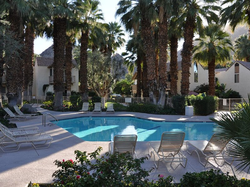 TENNIS! GOLF!  WE WELCOME YOU TO THE PERFECT GET-AWAY, vacation rental in Indian Wells