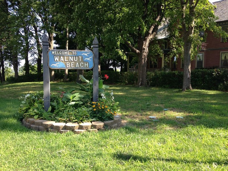 Entrance to Walnut Beach, just steps from the house
