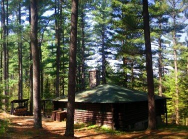 Authentic Log Cabin, Secluded Site on the Ausable River, holiday rental in Wilmington