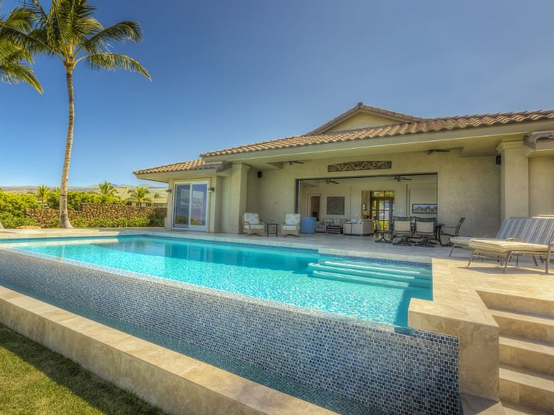 HAWAIIAN DREAMS COME TRUE AT O2- Luxury Mauna Kea Rental Home, holiday rental in Kawaihae