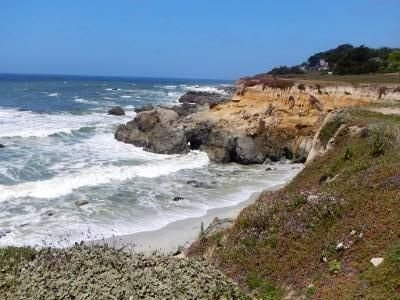 Escape...Unwind...Relax...Enjoy!, holiday rental in Moss Beach